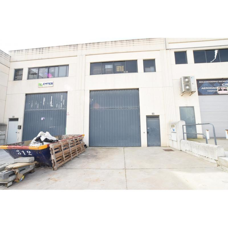 Nave Industrial en alquiler en Arroyomolinos de 190 m2