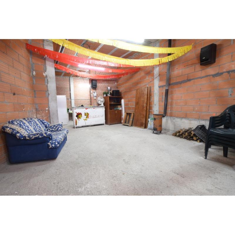 Local en venta en Villarejo de Salvanés de 126 m2