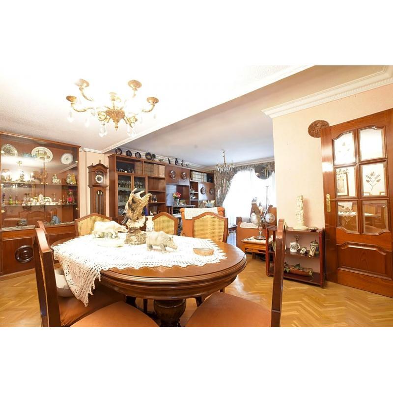 Piso en venta en Móstoles de 139 m2